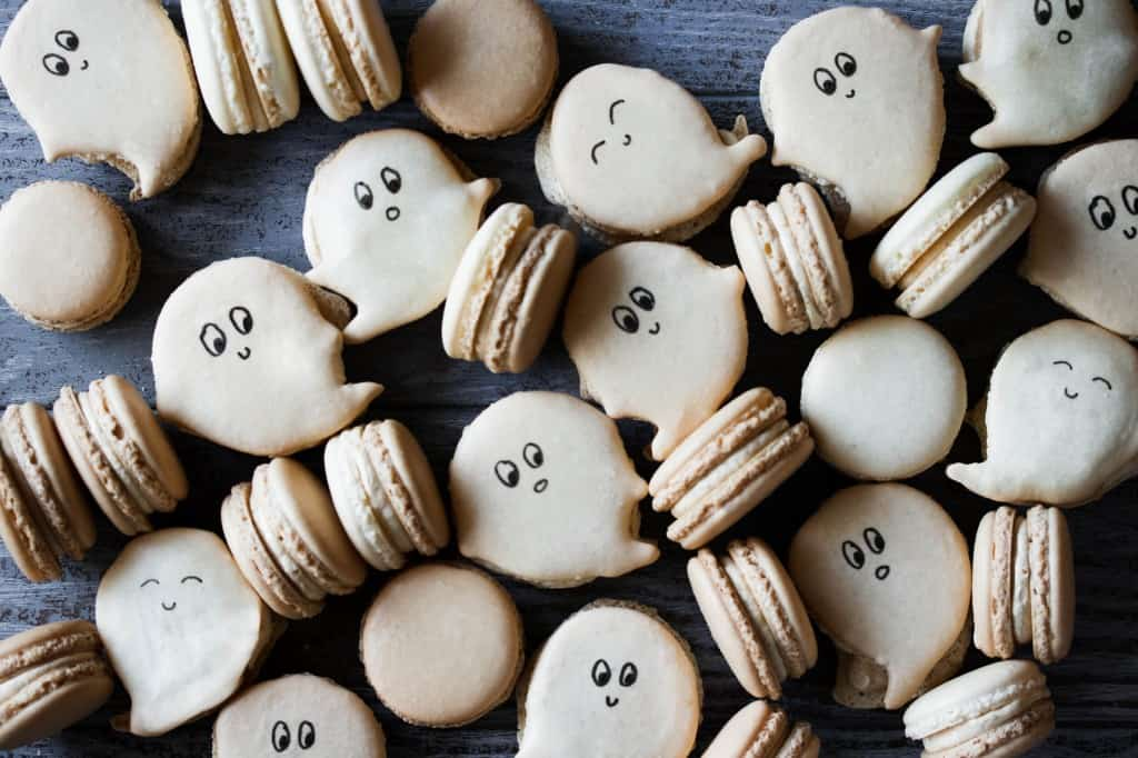 Step by Step: Ghost Macarons with Pumpkin Buttercream