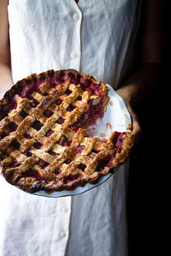 Traditional Strawberry Rhubarb Pie